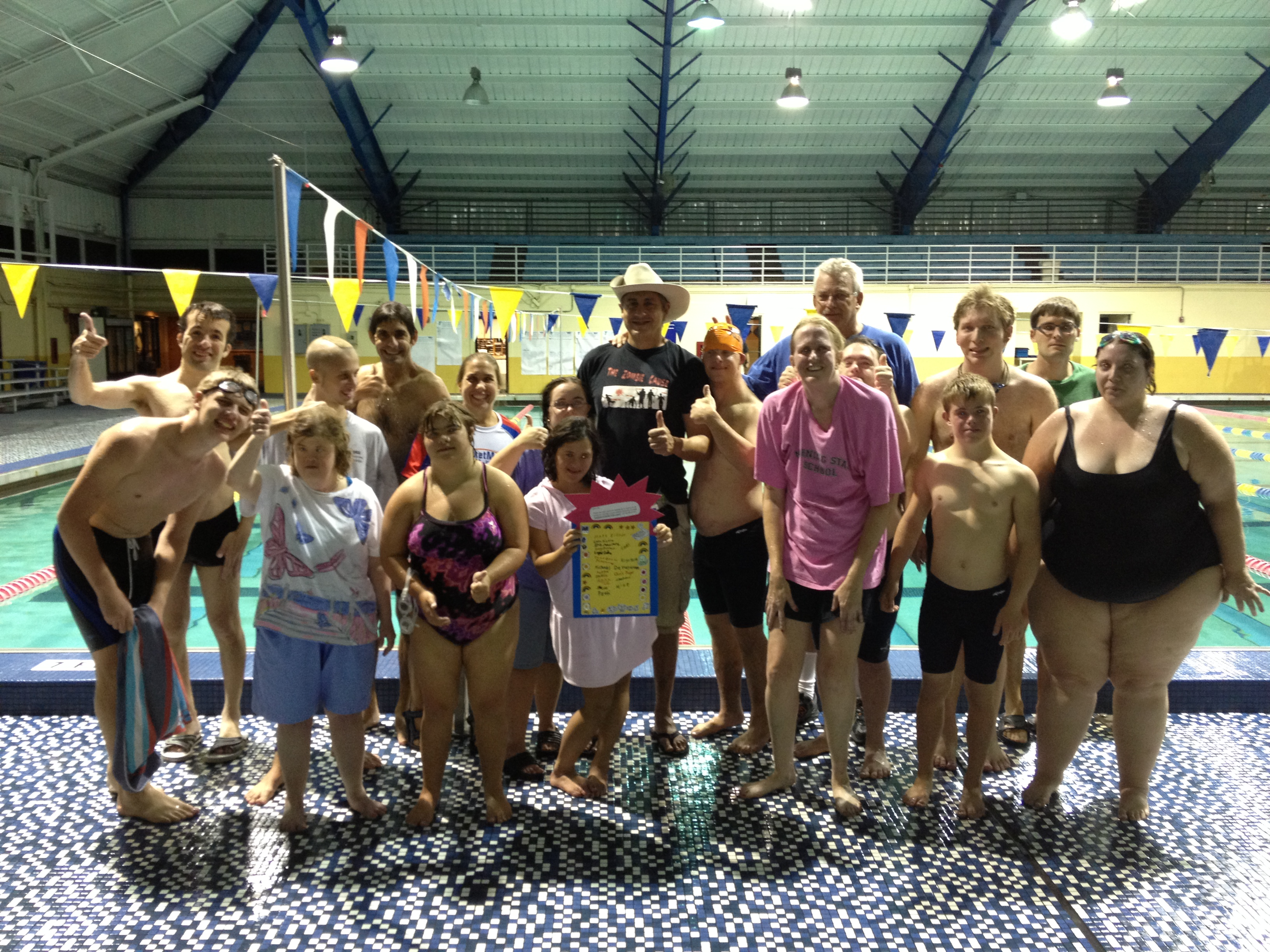 Our swimmers make a thank you card for Mi Hoshino for helping coach Lucky organize the event.